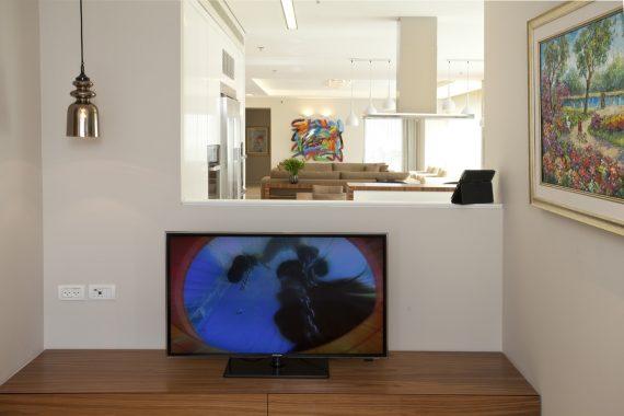 W31 TLV TV ROOM